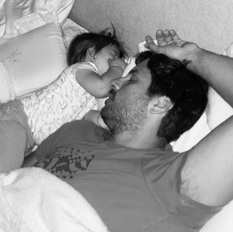 A fofa Bela com seu pai Márcio Pedreira