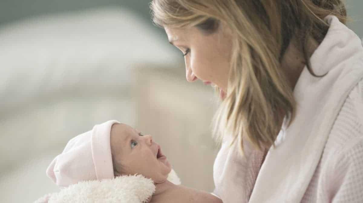 Aprenda como estimular a fala do bebê