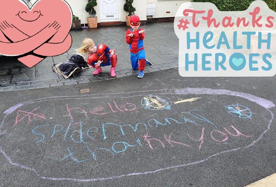 As crianças do bairro ficam pedindo para serem visitadas