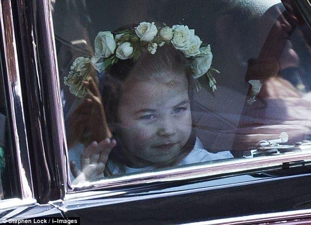 A fofa princesa Charlotte foi daminha do casamento real