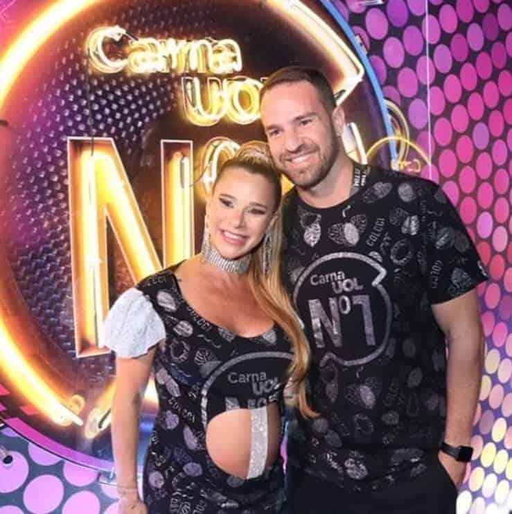 Dany Bananinha no carnaval grávida com o namorado
