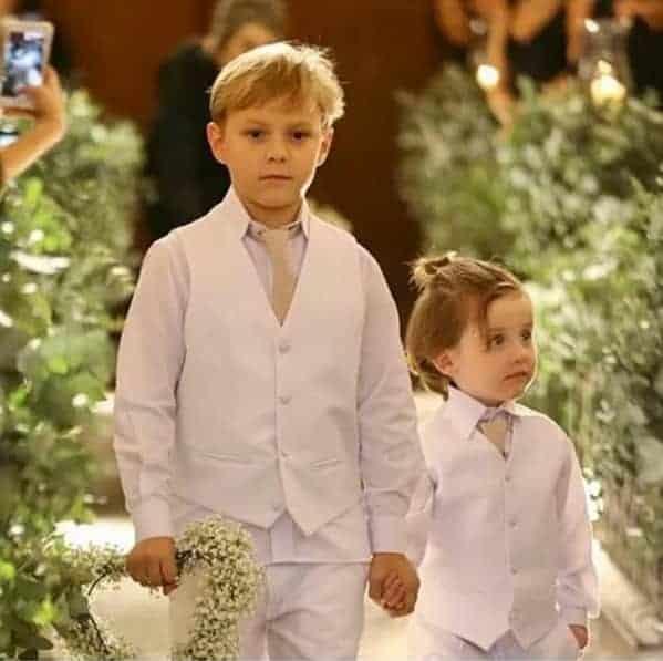 Davi Lucca como pajem de casamento