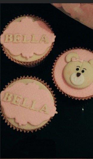 Os detalhes personalizados da festa de um mês de vida de Bella