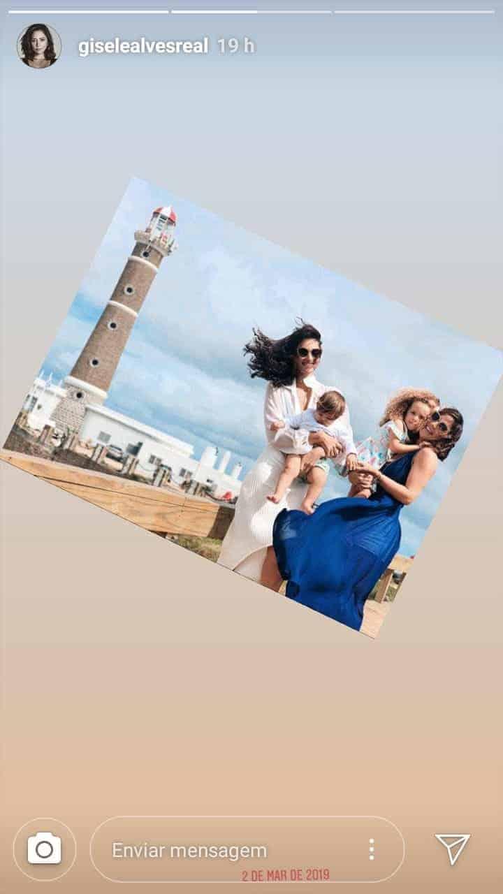 Débora Nascimento posta foto com a filha e amiga