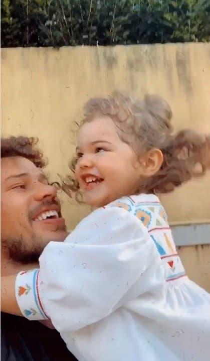 José Loreto e sua filha com Débora Nascimento