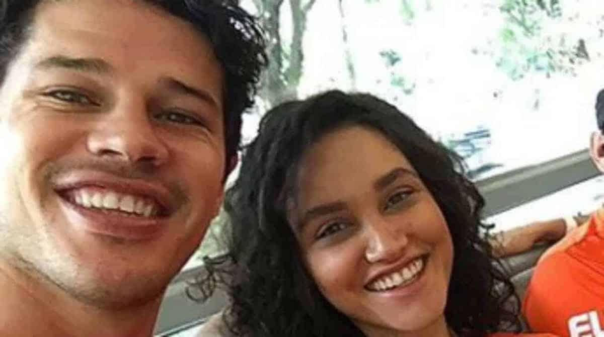 José Loreto e Débora Nascimento fazem o enxoval da filha nos EUA