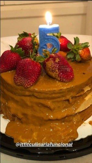 Esse foi o bolo para comemorar os 5 meses da fofa Bella