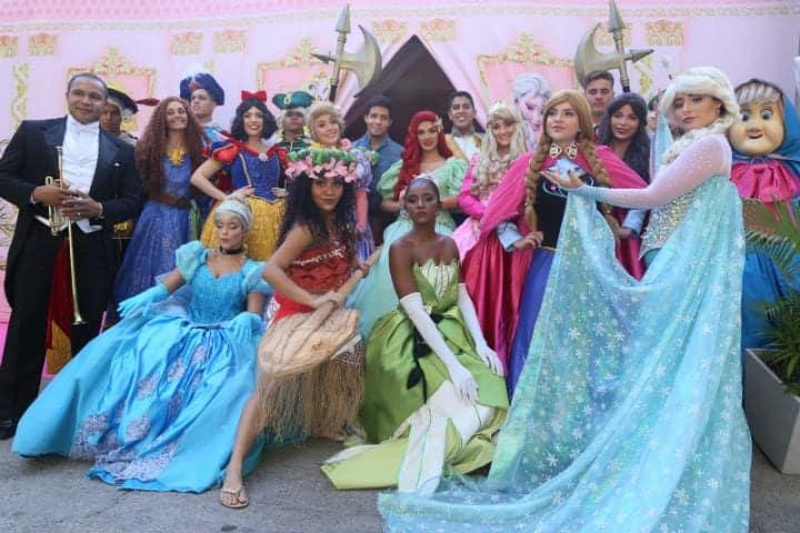 Princesas na festa da filha de Deborah Secco