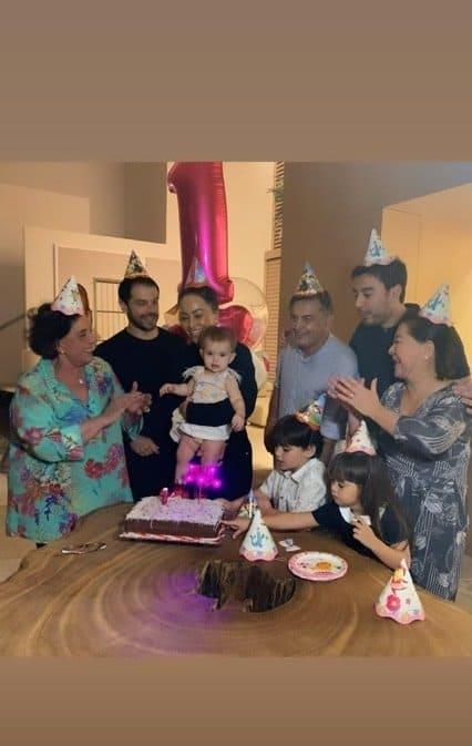 Duda Nagle e Sabrina Sato celebrando um ano da filha