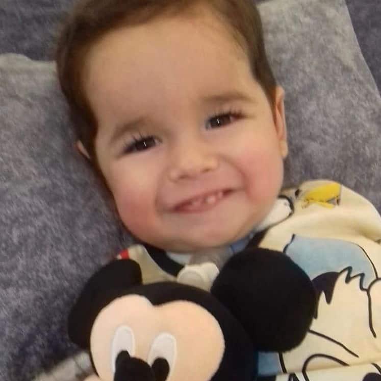 Eliana mostrou este bebê que não resistiu a AME