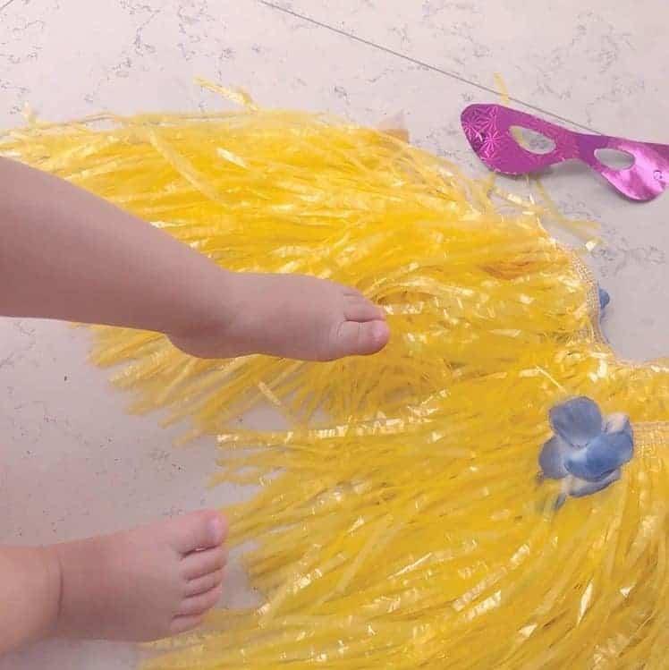 No espirito do carnaval a apresentadora Eliana compartilhou essa foto de sua bebê