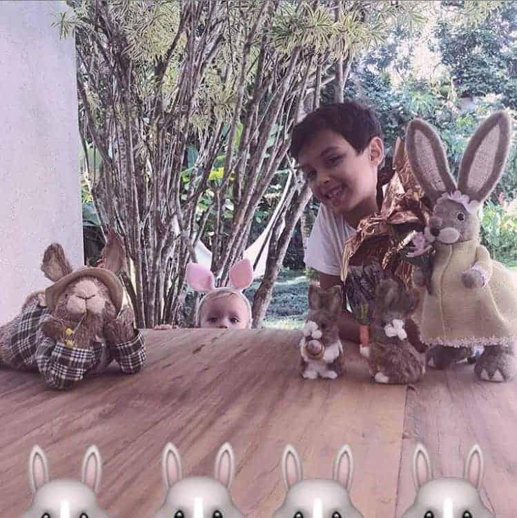 A apresentadora Eliana mostrou os filhos no clima da páscoa
