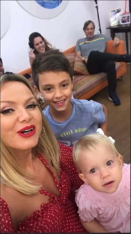 Eliana com os filhos