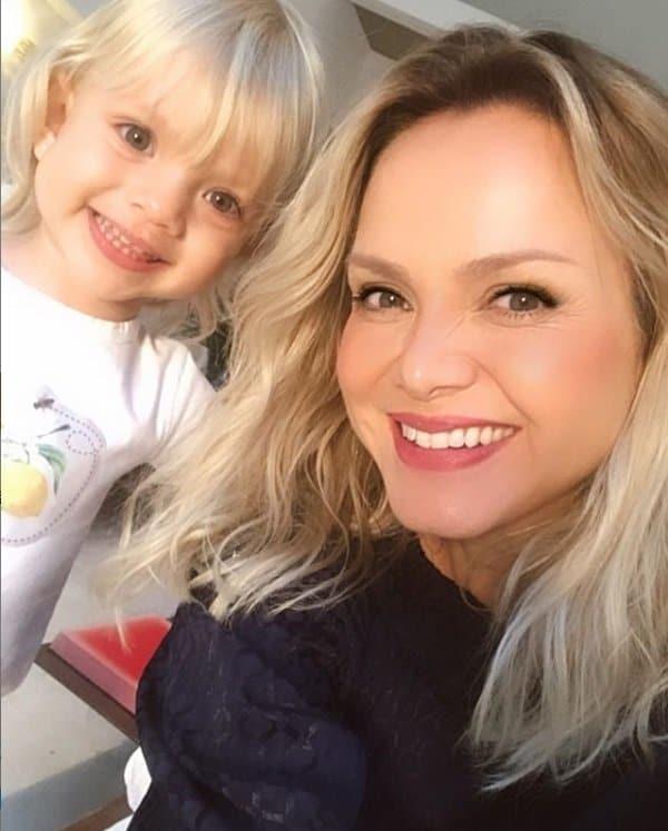 Eliana com sua bebê Manuela