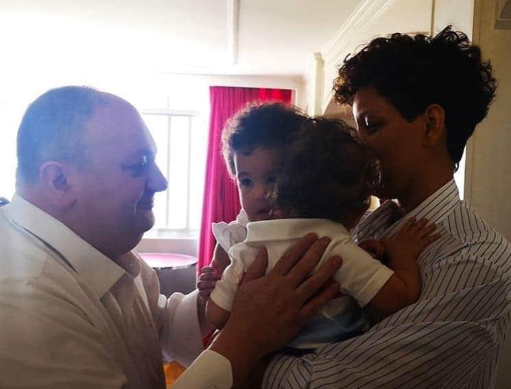 Erick Jacquin com sua esposa e os filhos