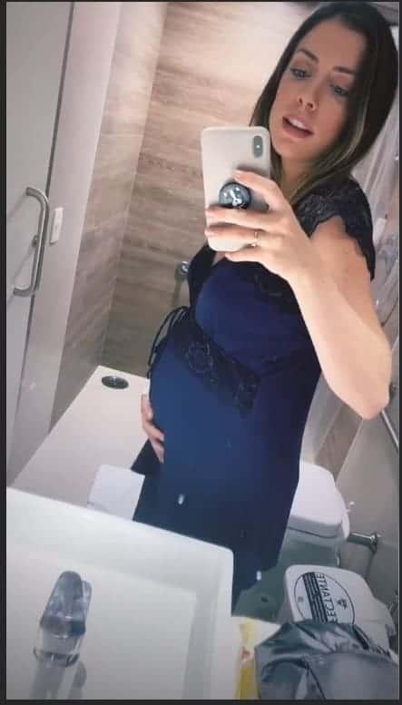 Fabiana Justus dois dias após dar à luz
