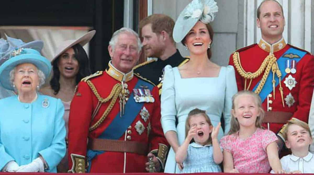 A bebê Lena da família real aparece pela primeira vez