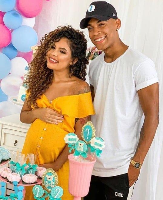 Abner Pinheiro com Sthefane Matos quando ela estava grávida