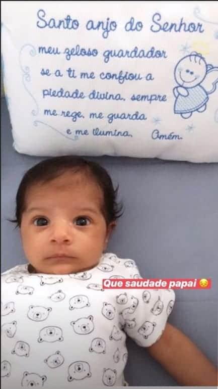 Esse é o fofo Miguel que tem um mês e é filho de Felipe Araújo