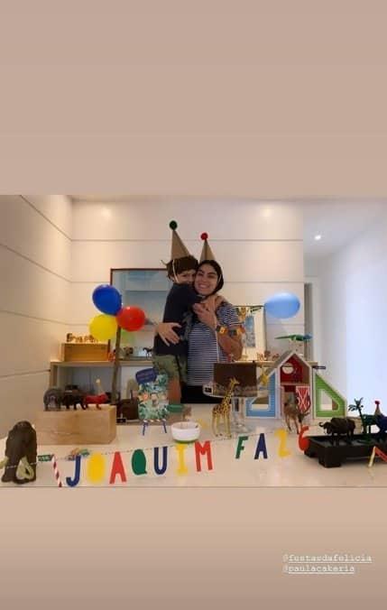 Filho de Felipe Simas comemorando aniversário apenas com seu pai
