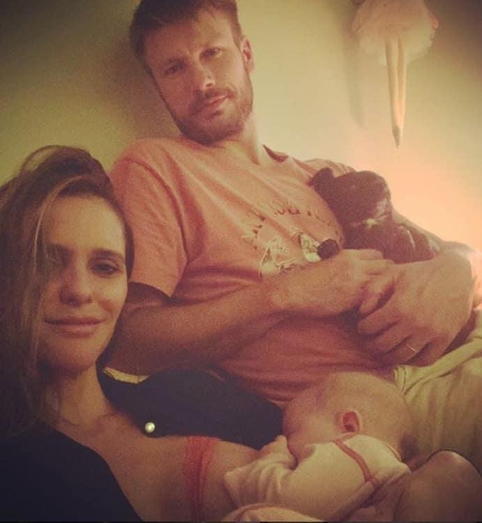 Fernanda Lima e Rodrigo Hilbert com sua bebê Maria Manoela