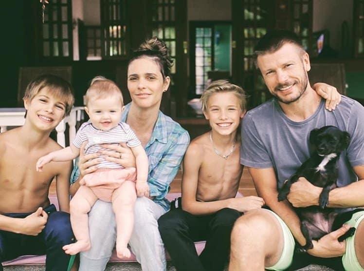 Fernanda Lima, Rodrigo Hilbert, os filhos e a cachorrinha