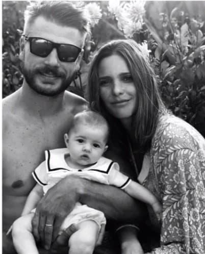 Rodrigo Hilbert e Fernanda Lima com sua bebê