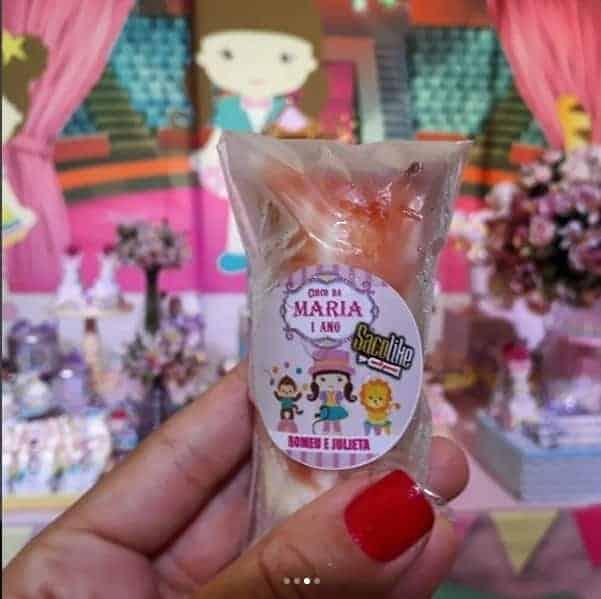 Detalhes personalizados na festa de Maria