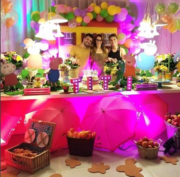 Festinha para Titi na casa do casal Giovanna Ewbank e Bruno Gagliasso