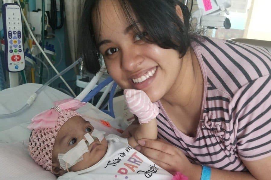 A bebê quando lutava pela vida