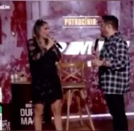 Flávia Viana sofreu constrangimento em uma live