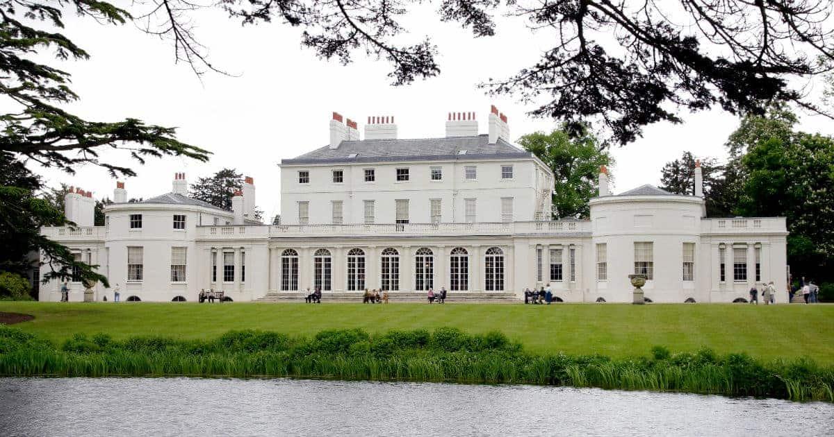Essa é a mansão Frogmore Cottagem, residencial oficial de Meghan Markle e o príncipe Harry