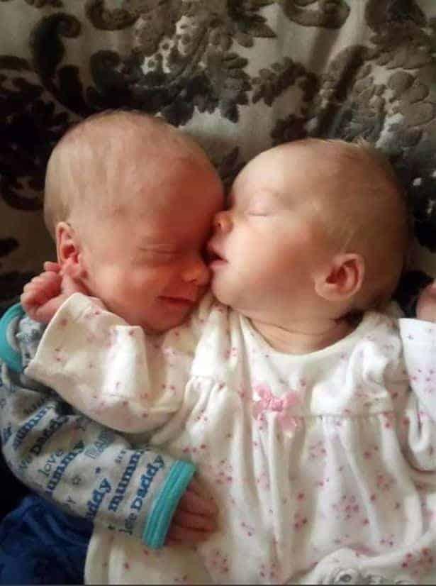 Foto dos gêmeos Shapphire Jade e Brandon Brady