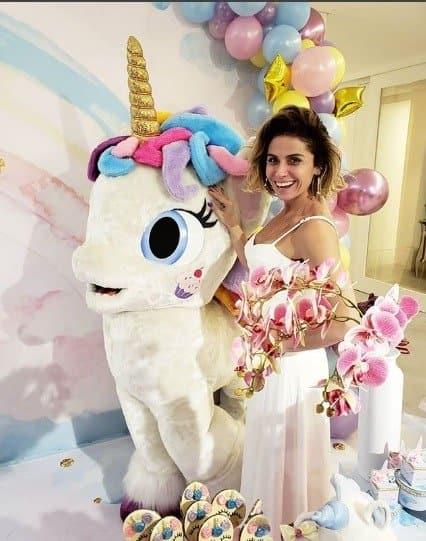 Giovanna Antonelli também aproveitou bem a festa de suas filhas