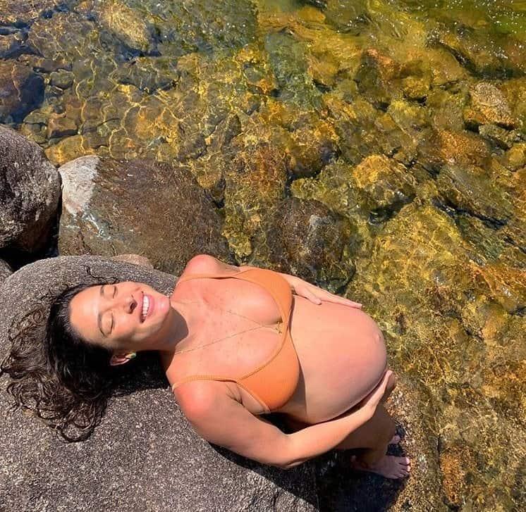 Ensaio gestante de Giselle Itié antes de dar à luz