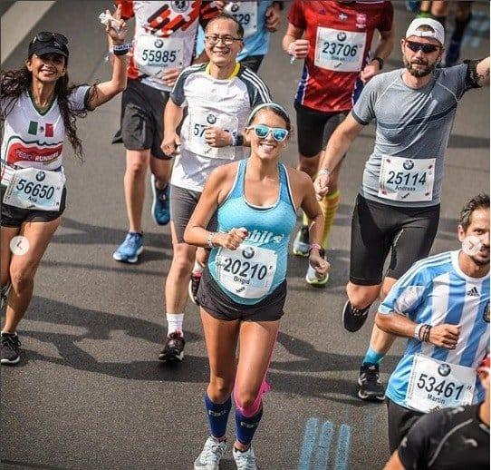 Grávida de 9 meses correndo uma maratona