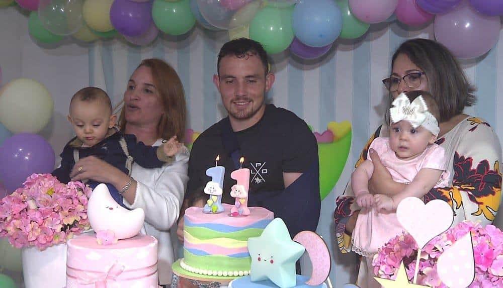 Imagem da festinha de um ano dos gêmeos Asaph e Ana Vitória