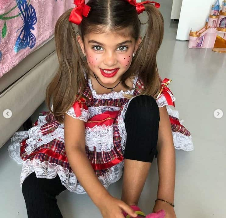 A filha de Grazi Massafera e Cauã Reymond