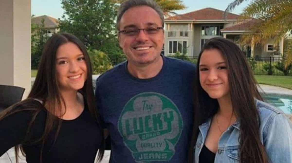 As filhas gêmeas de Gugu homenagearam o apresentador