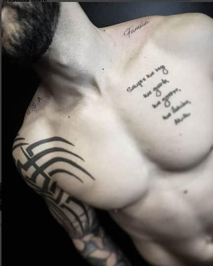 Gusttavo Lima fez tatuagens em homenagem aos filhos e a esposa