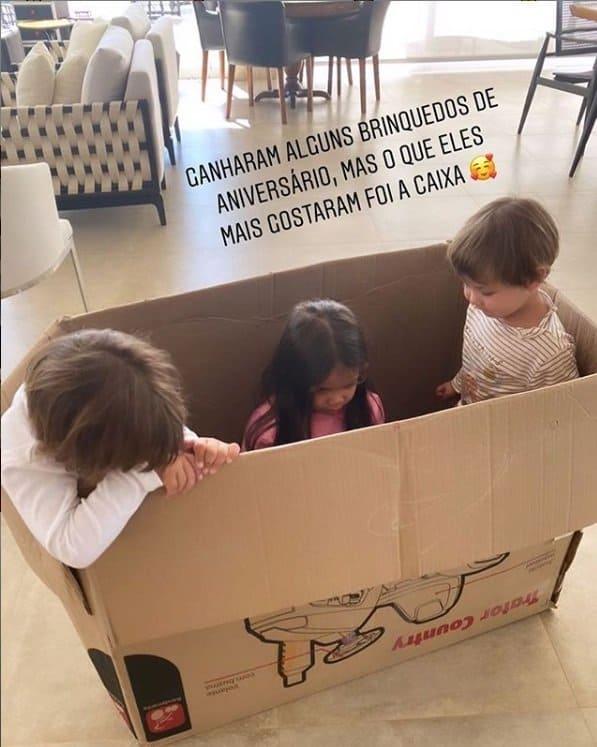 Filhos de Gusttavo Lima se divertiram com a caixa