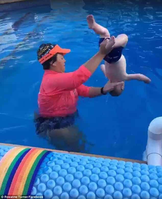 Cenas do vídeo da aula de natação