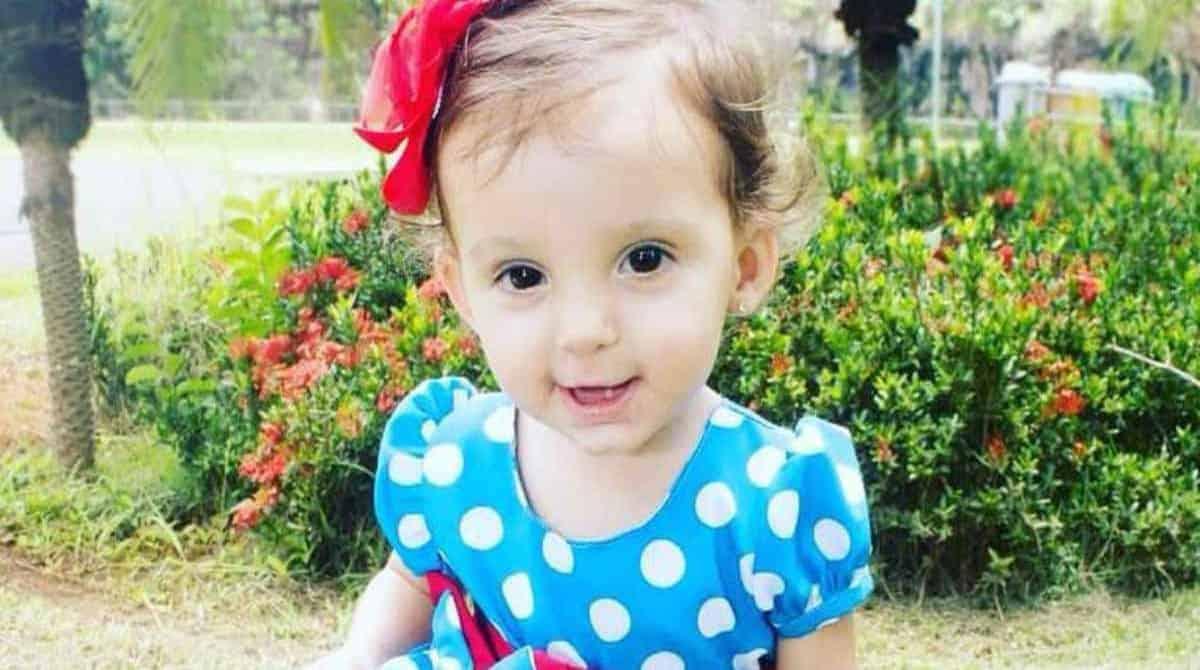 Pais levam filha com febre ao hospital e ela morre