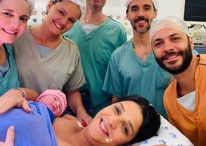 Mãe de Isabella Nardoni com a filha recém-nascida