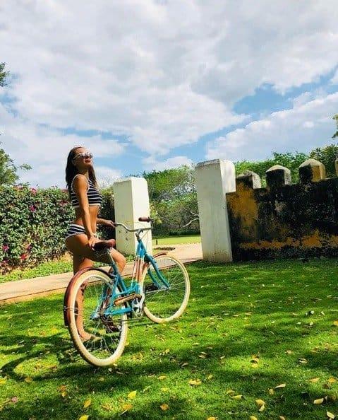Para comemorar a gravidez a atriz Isis Valverde viajou para o México