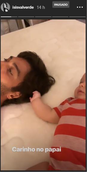 Filho de Isis Valverde com o papai André Resende