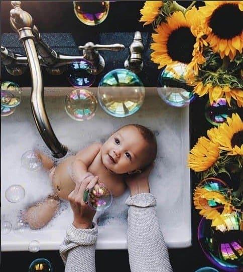 A futura mamãe Isis Valverde compartilhou essa linda foto
