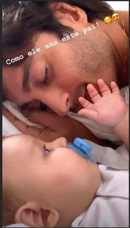 A atriz Isis Valverde mostrou Rael fazendo carinho no pai