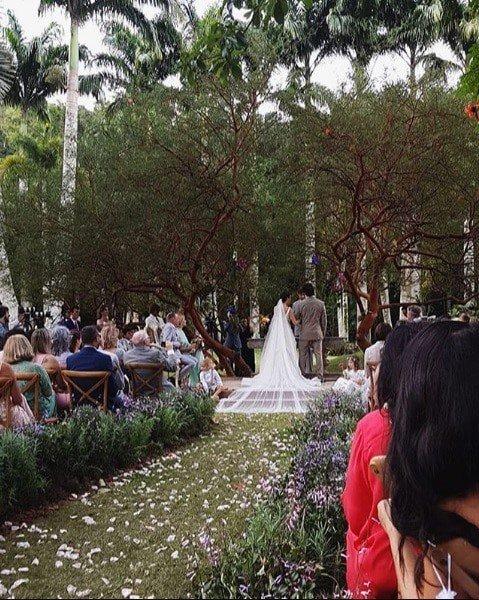 Imagem da cerimônia de casamento de Isis Valverde e André Resende