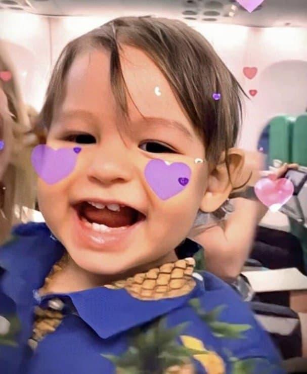 Bebê de Isis Valverde em foto tirada por sua avó